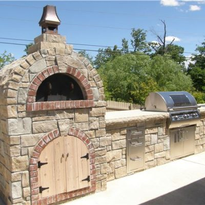 rustic cleft veneer pizza oven