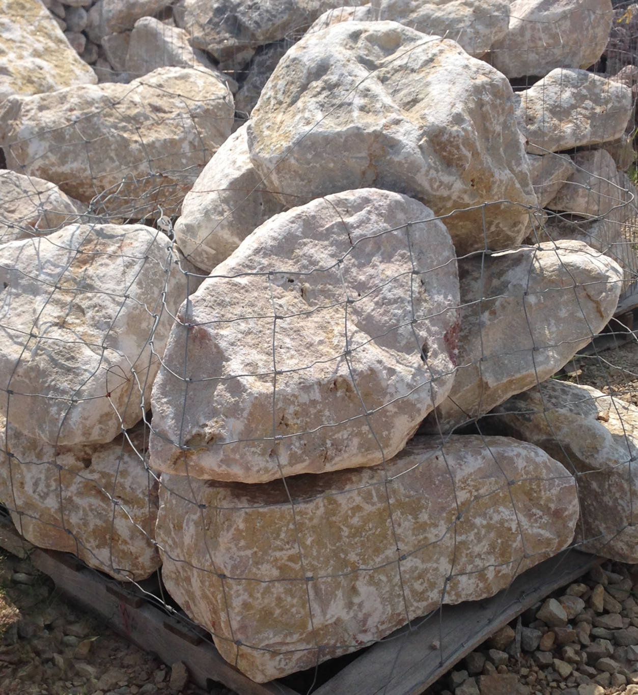 Earthworks Natural Stone : Ashland boulders earthworks natural stone