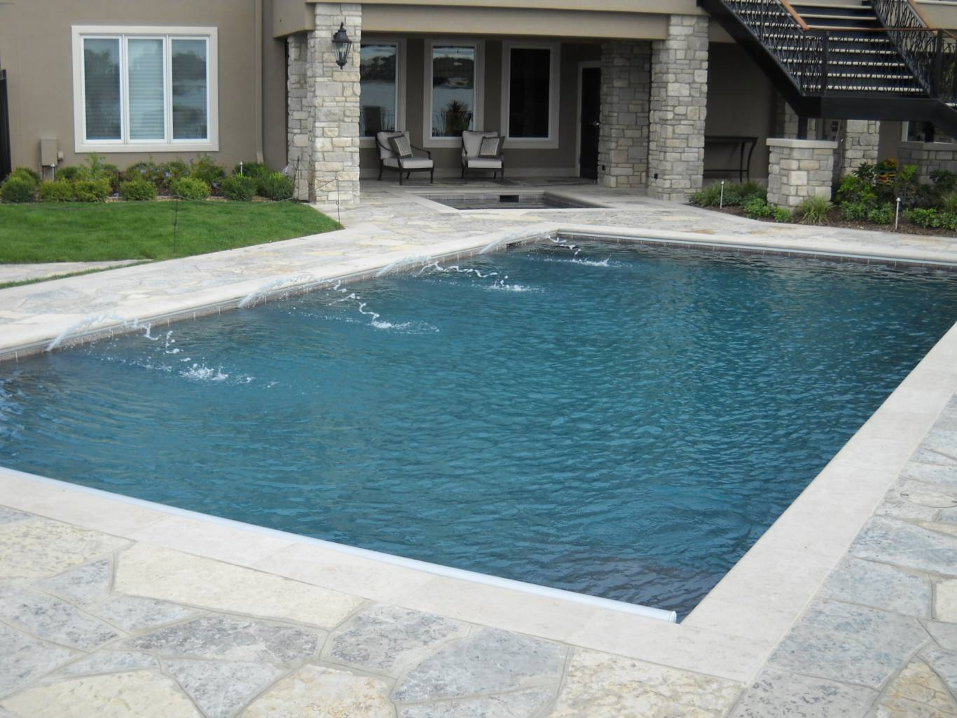 Pool Coping - Earthworks Natural Stone